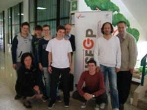 Profesori elektro aktiva sa svojim učenicima